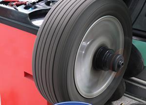 Ste kolesa z letnimi pnevmatikami menjali sami? Prepričajte se ali je vaše vozilo tudi optično...